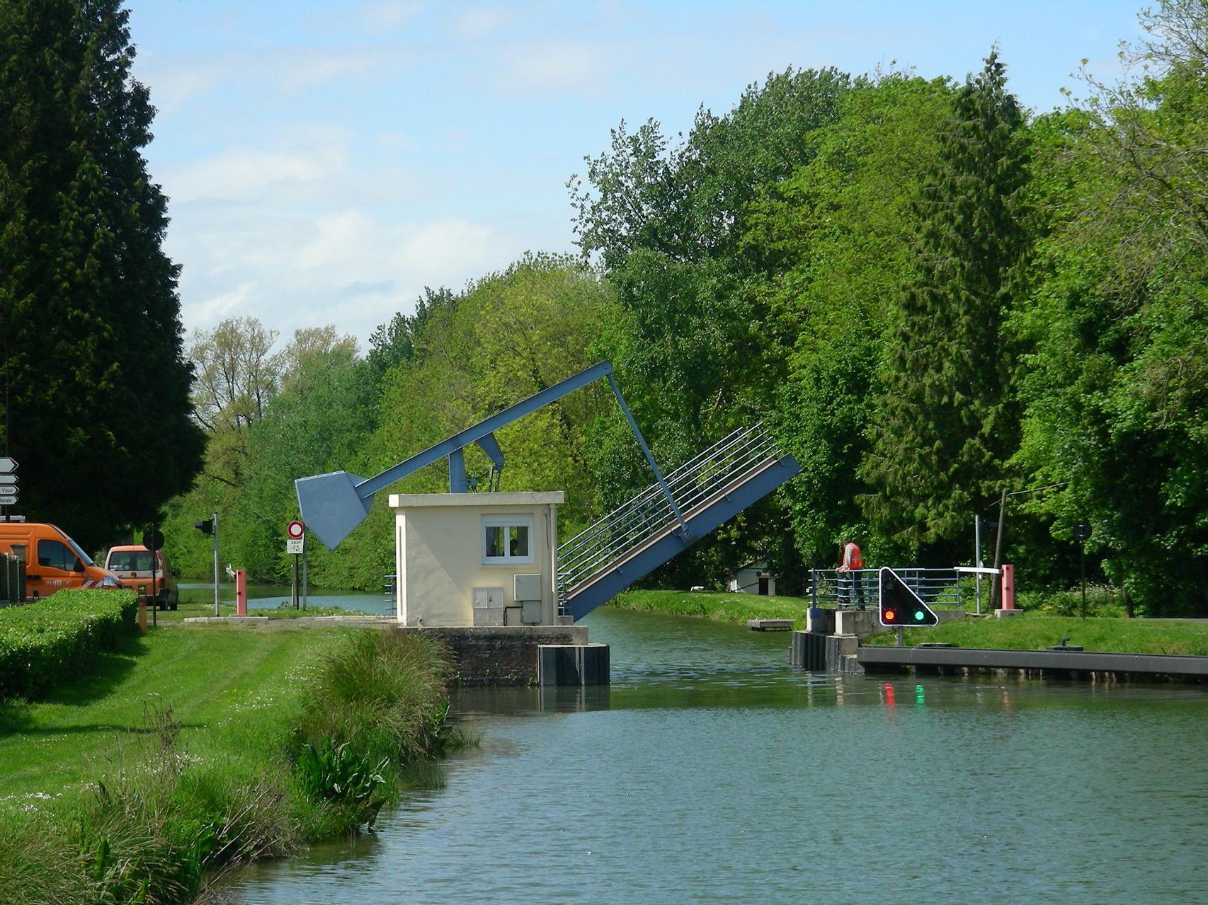 Hebebrücke am Canal de la Somme