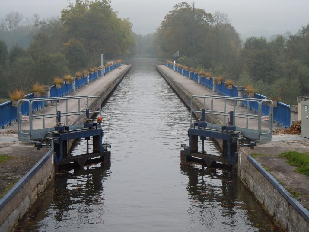 Aquädukt über die Moselle bei Flavigny