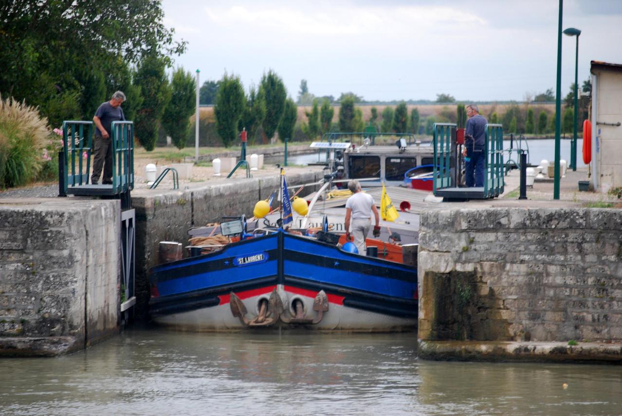 Schleuse Belleville am Canal latéral à la Loire