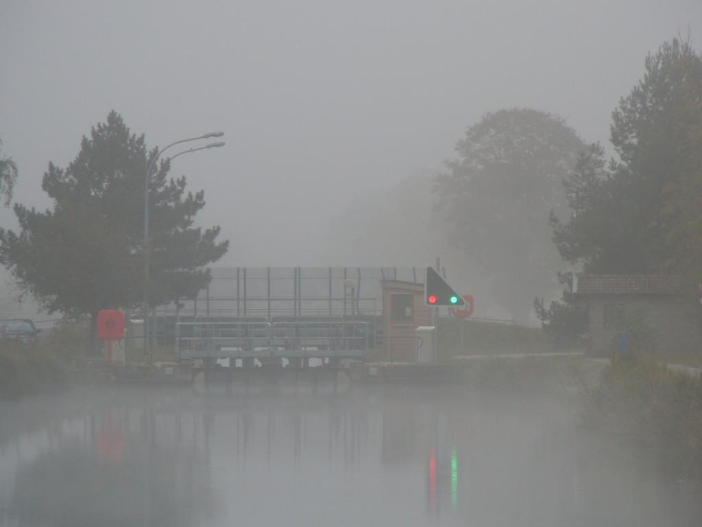 Morgennebel bei Charmes Canal des Vosges