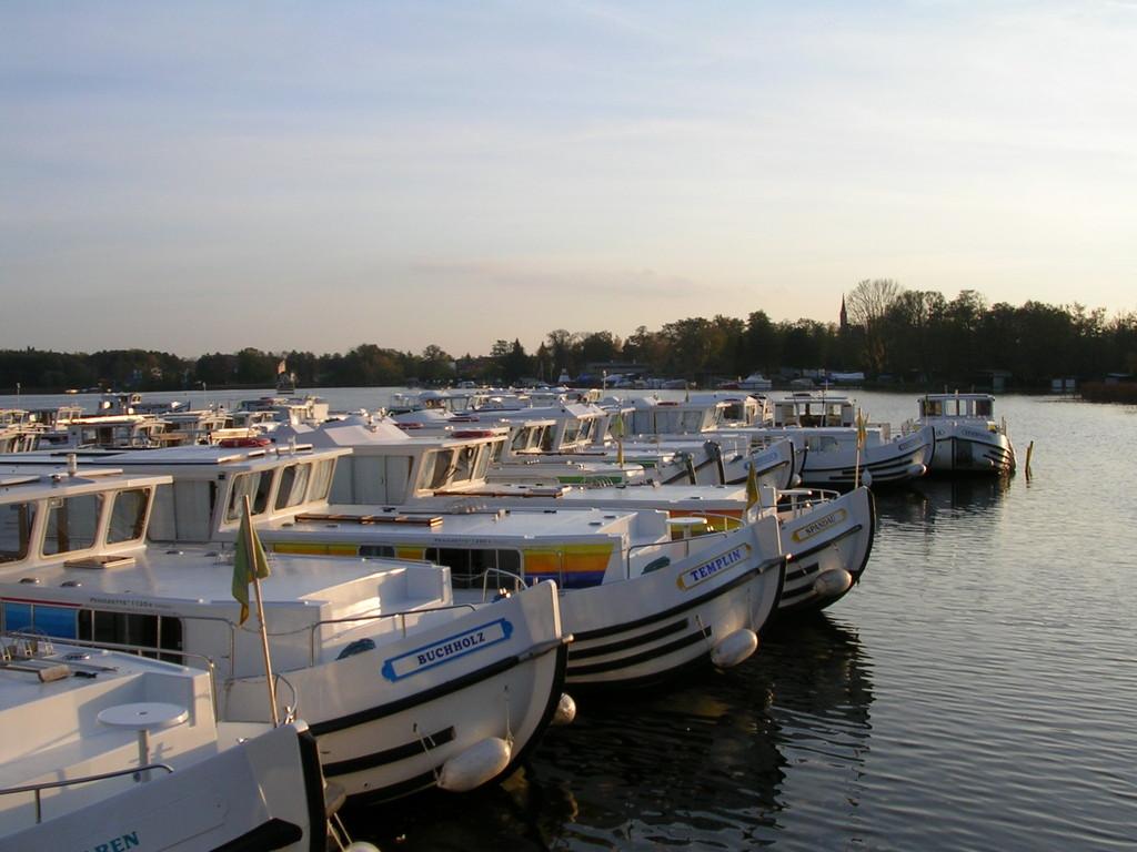 Basis Locaboat in Fürstenberg