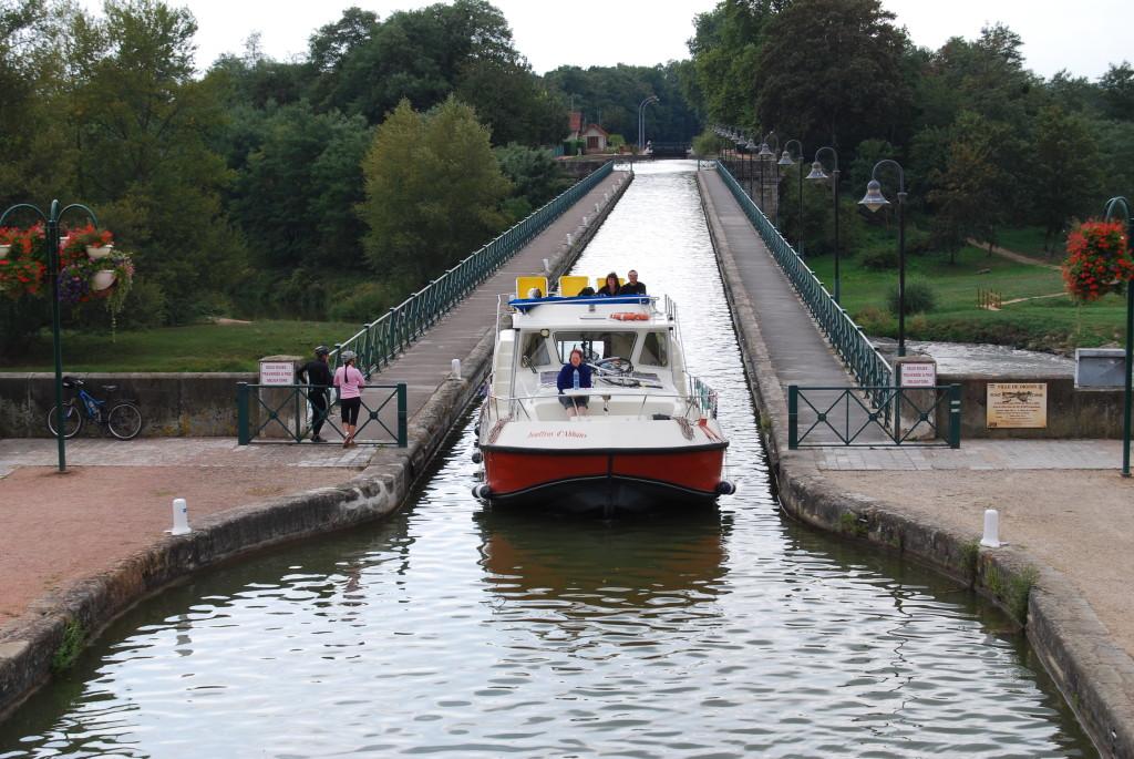 Aquädukt über die Loire bei Digion