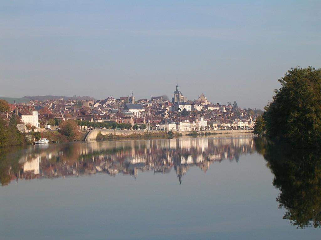 Blick auf Joigny (Yonne)