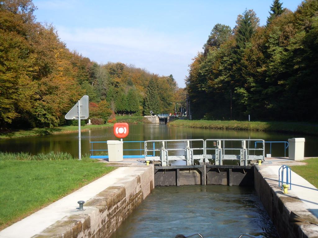 Ecluse 25 auf dem Canal des Vosges