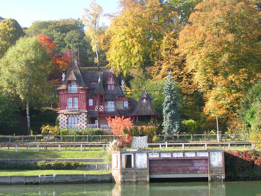 Wochenendhäuser an der Haute Seine