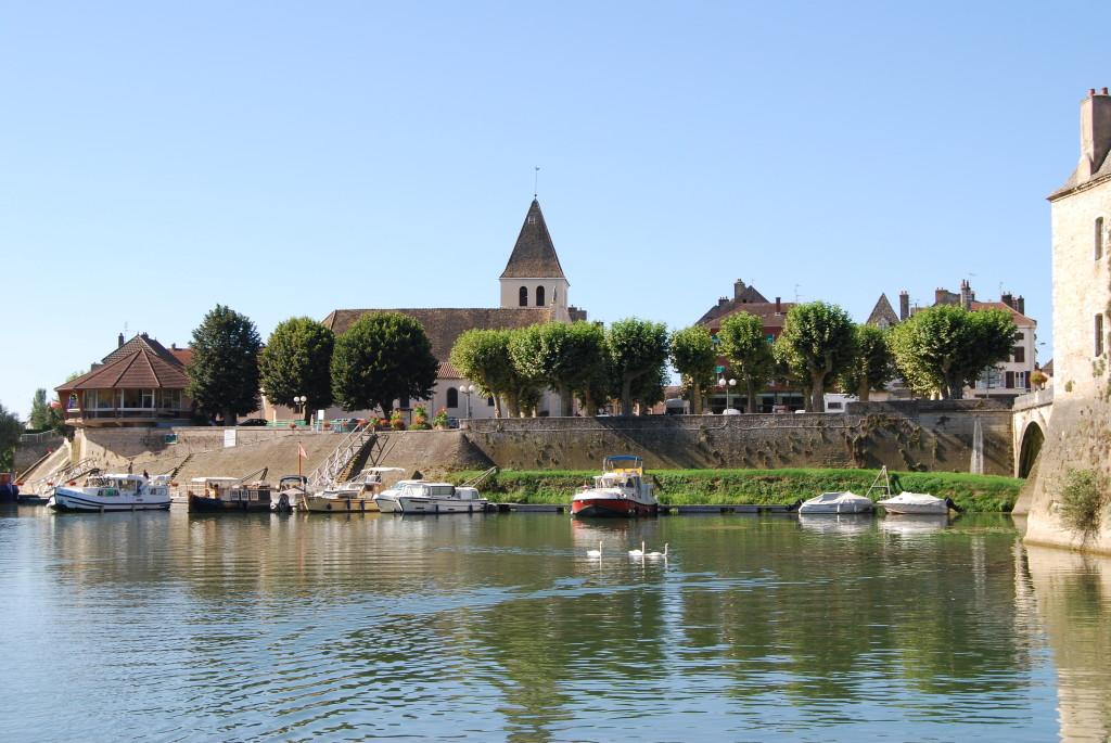 Verdun-sur-le-Doubs am Zusammenfluss Saône/Doubs