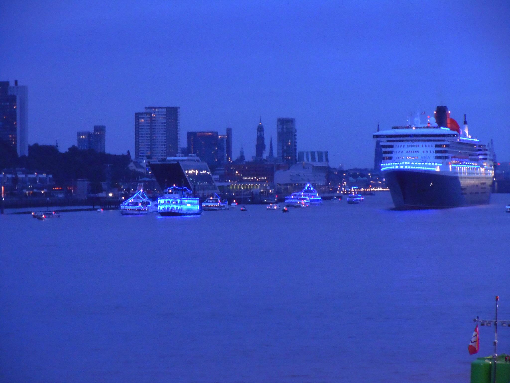 Abfahrt der Queen Mary 2