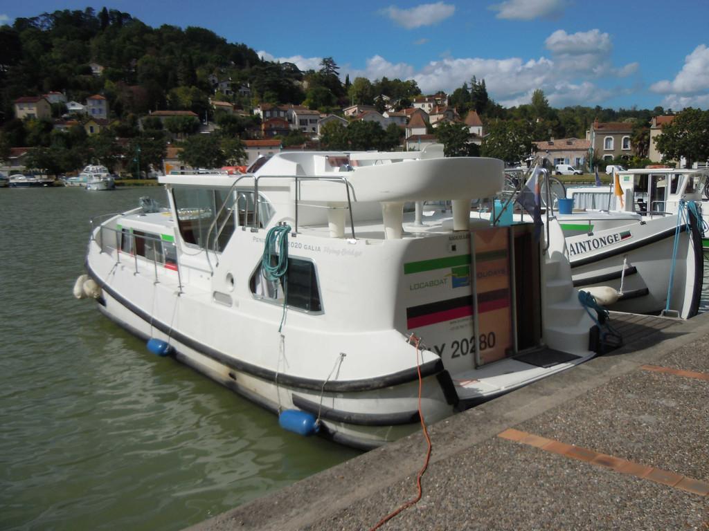 Bootsübernahme im Hafen von Agen