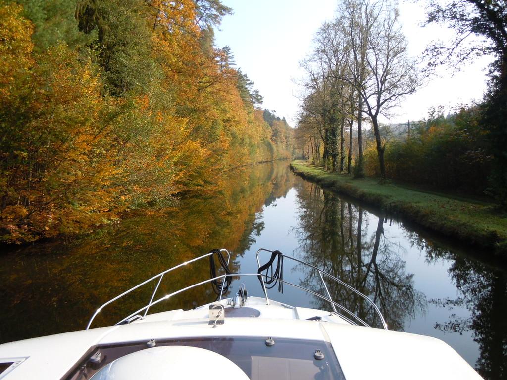 Canal des Vosges zwischen Selles und Fontenoy