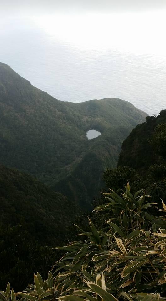 長滝山から御代ヶ池を望む