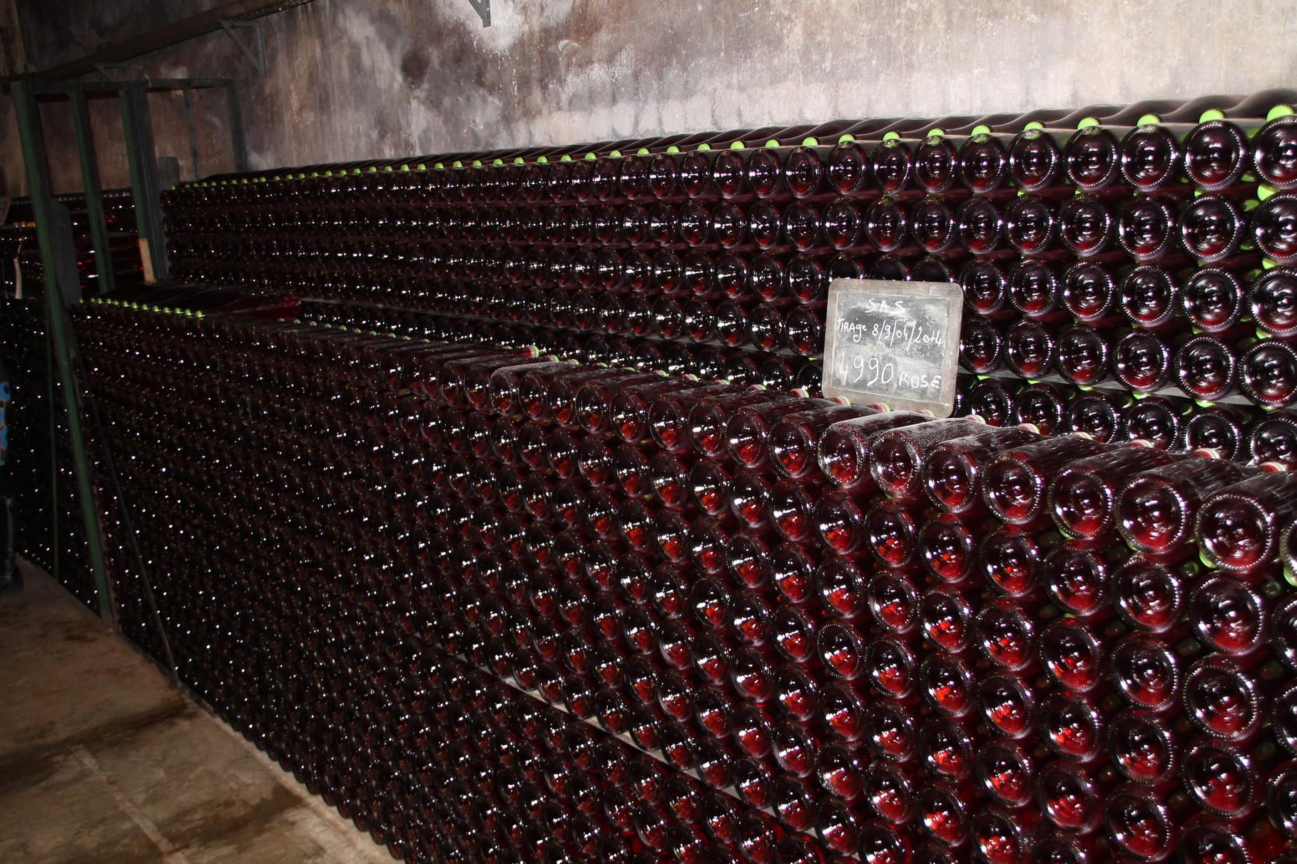 """La cave chez les """"Champagne Lallement"""""""