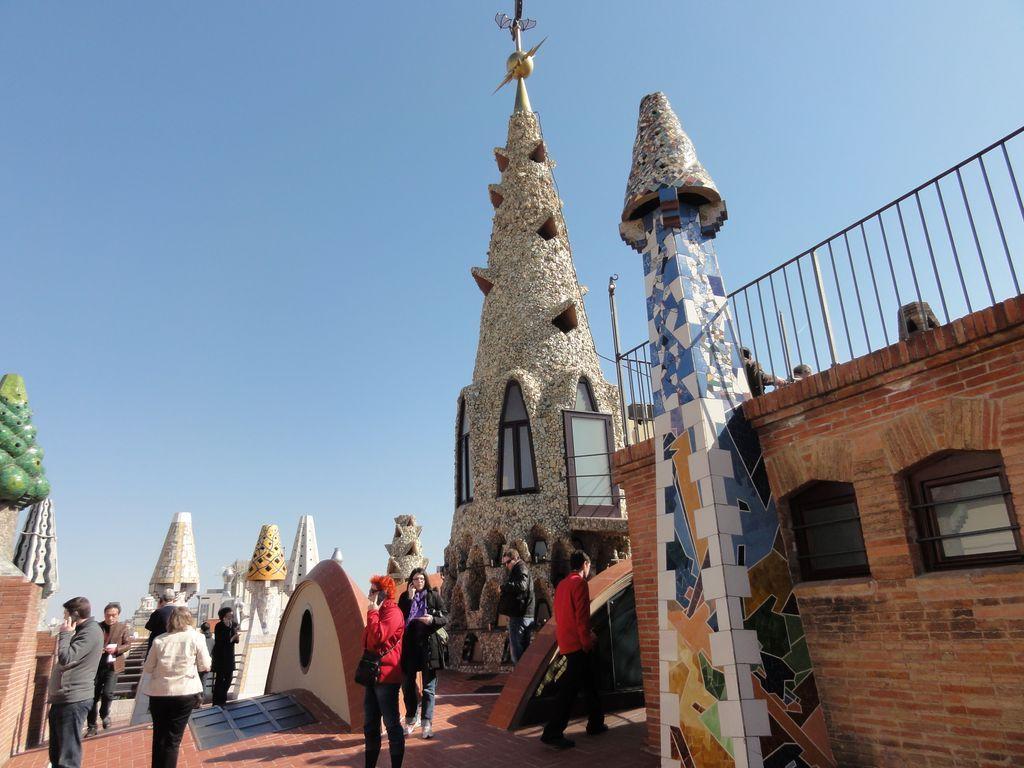 sur la terrasse :les cheminées