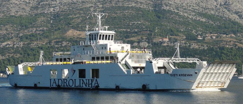 Die Sveti Krševan ist knapp 90m lang und kann 100 PKW und 600 Personen befördern - die Abramowitsch-Jacht ist doppelt so lang