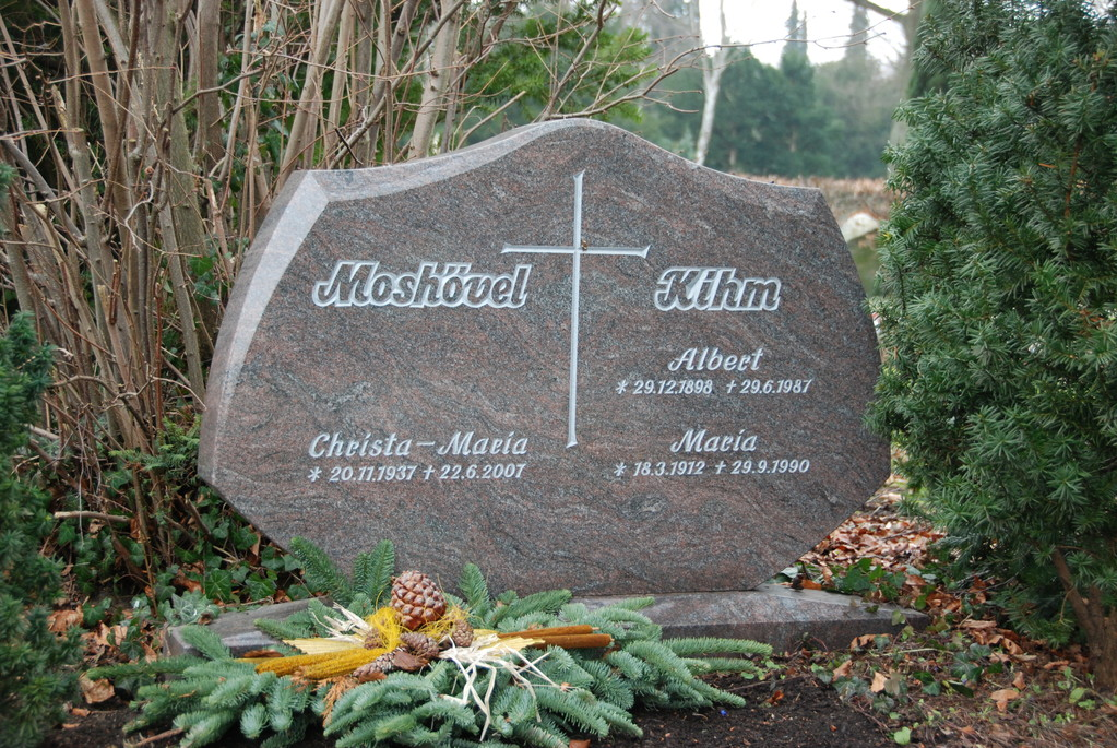 Grabstein aus Granit für 4 Personen