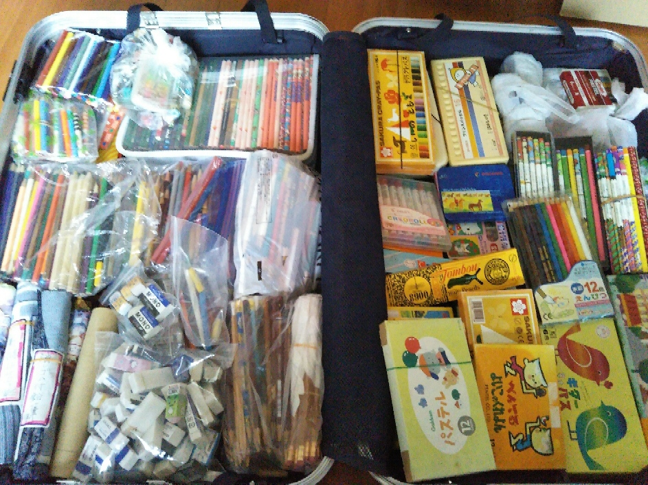 ネパール支援 鉛筆と消ゴム
