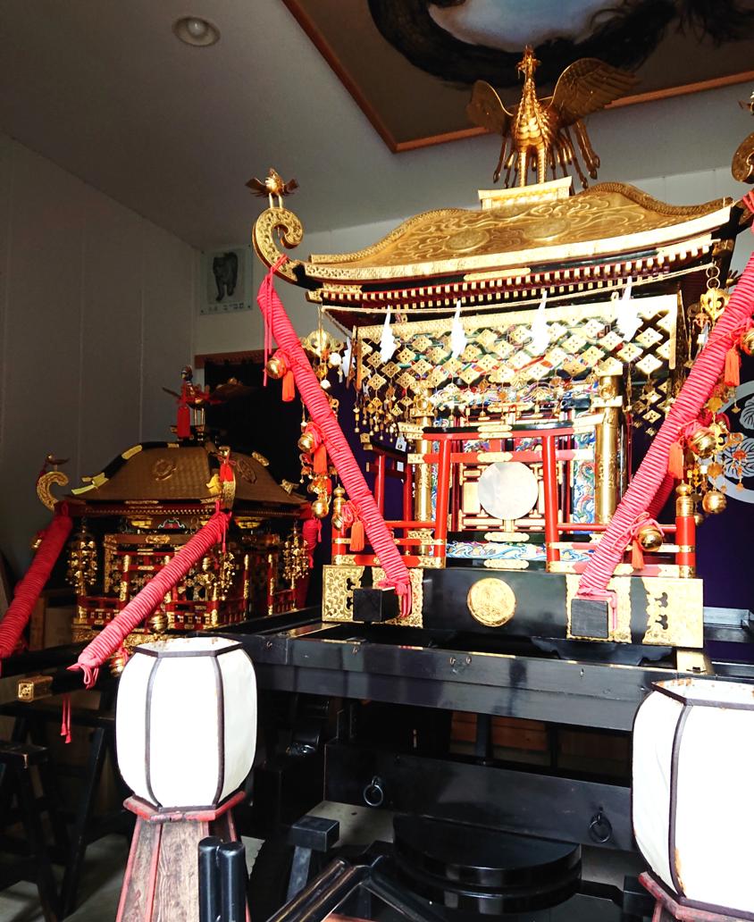 宝暦8年(1758年)大坂の細工人:宮屋鳥九郎兵衛によって製作された金鑚神社のお神輿