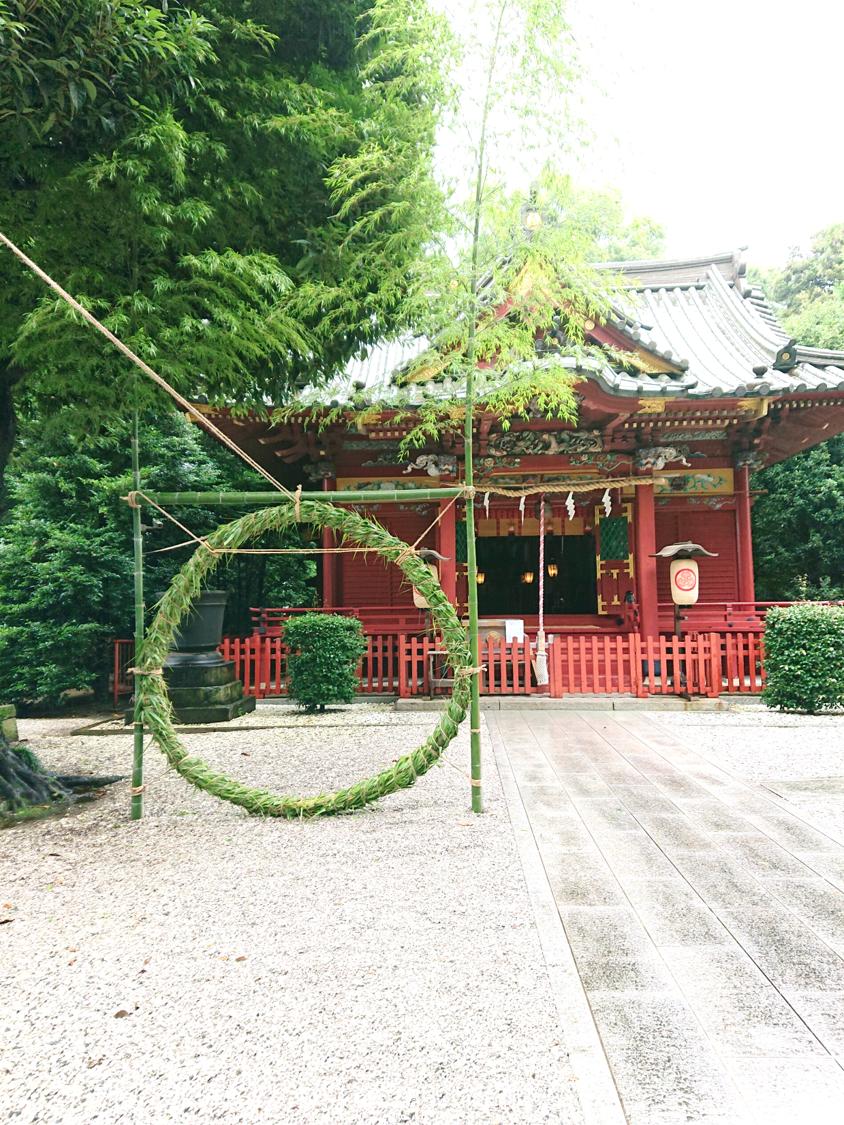金鑚神社拝殿と茅の輪くぐり