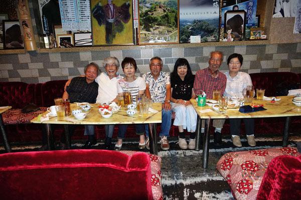 2016年7月吉村房雄個展打ち上げ マロンにて左から阿部、珈琲人ご主人、同奥様、伊藤さん、奥様の惠美子さん、吉村房雄さん