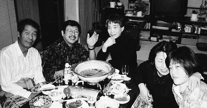 1996 画集の編集委員会 左から吉村房雄(元・加納)さん、吉村国昭さん、曽我定子さん、熊谷賀世子さん、武内祥子さん(現・深谷)
