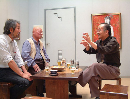 2003.5月 滝川さんの個展にて、左から房雄さん、藤原梵さん、滝川英明さん、三人とも今はいない