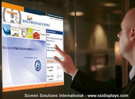 フルスクリーン表示でデジタル・サイネージにも利用できます。