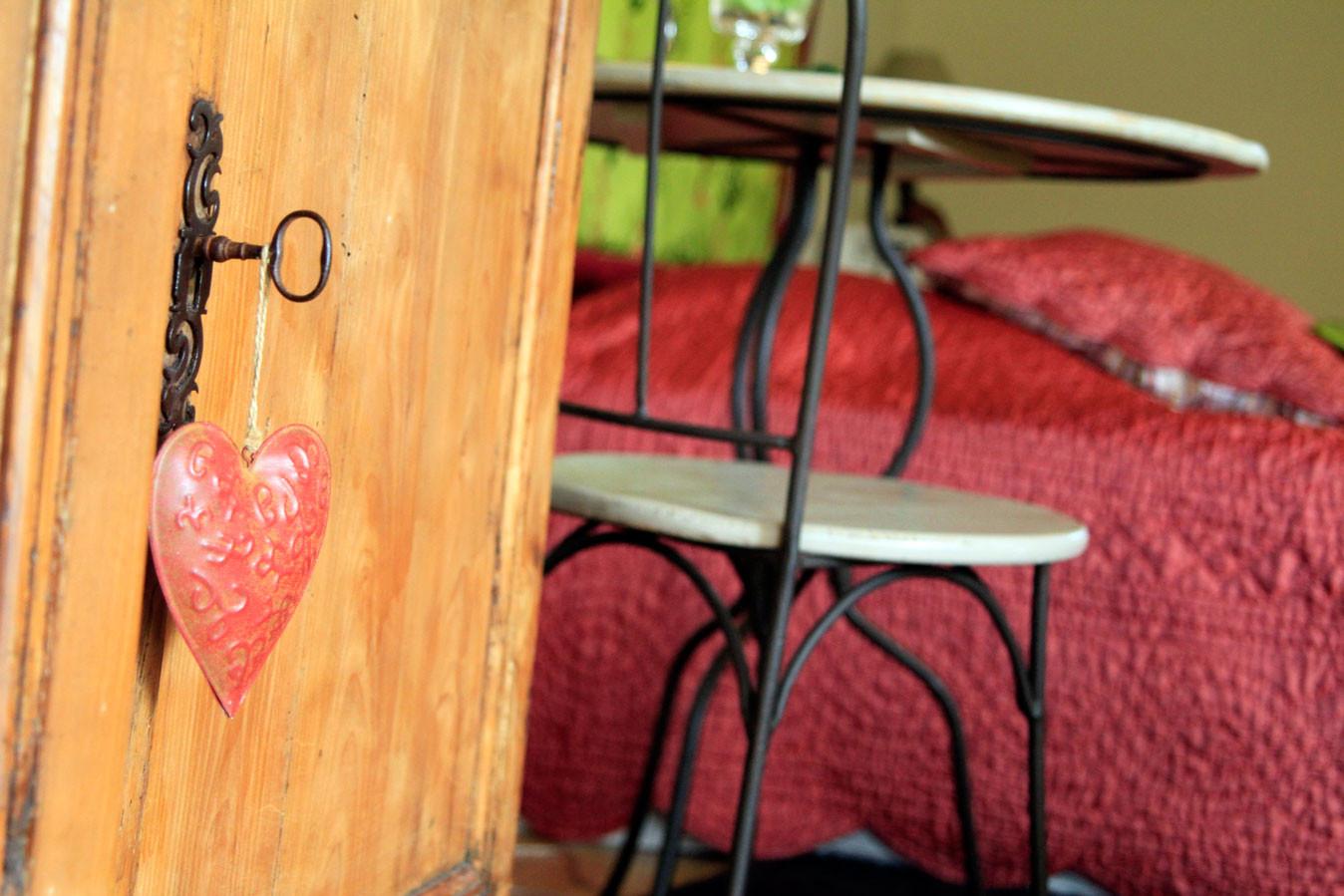 Chambre Les Gourmandises de Mathilde, donnant en terrasse, idéale l'été