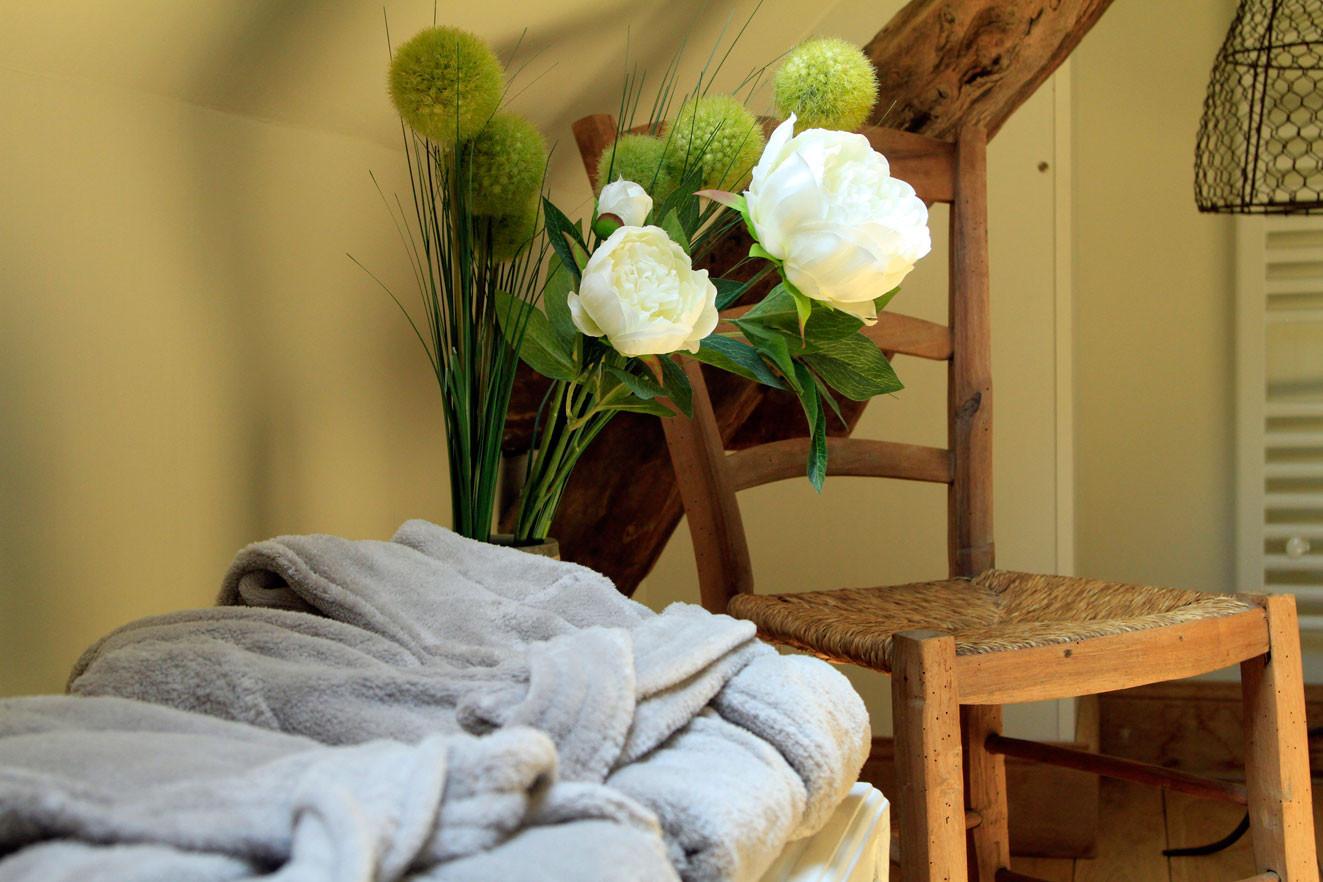 Chambre Sous le Tilleul de Noémie, salle de bain sous les combles