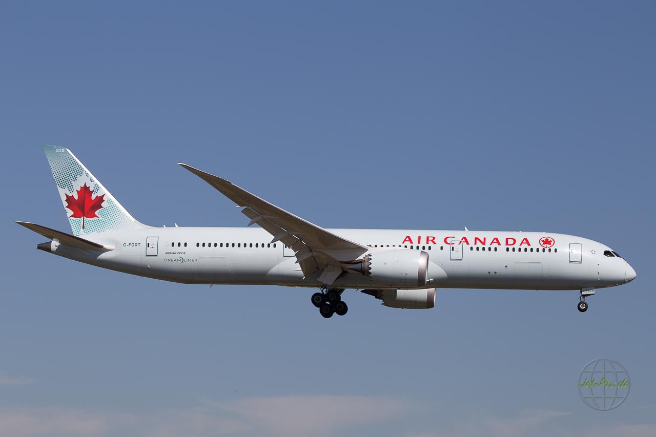 C-FGDT Air Canada Dreamliner 787-9