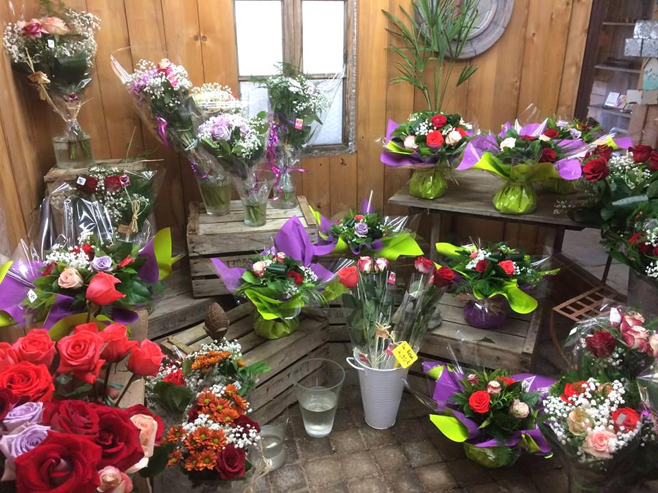 assortiment des bouquets et compositions florales