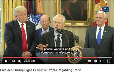 Peter Navarro (center), Trump's advisor on trade, plans to profit from the pandemic to renationalize global value chains. Photo: Wikimedia Commons.