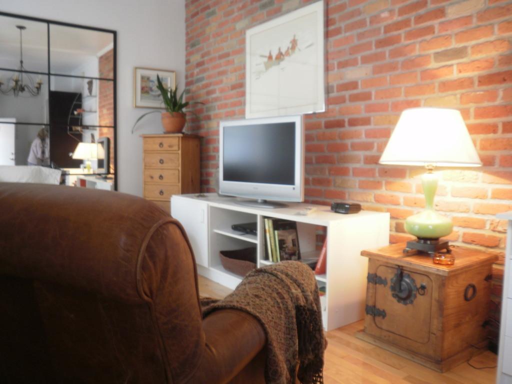 Location d 39 appartements et chambres meubl s montr al for Meuble chez brick sherbrooke