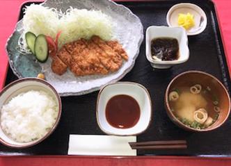 とんかつ定食(ドリンク付) 1,100yen