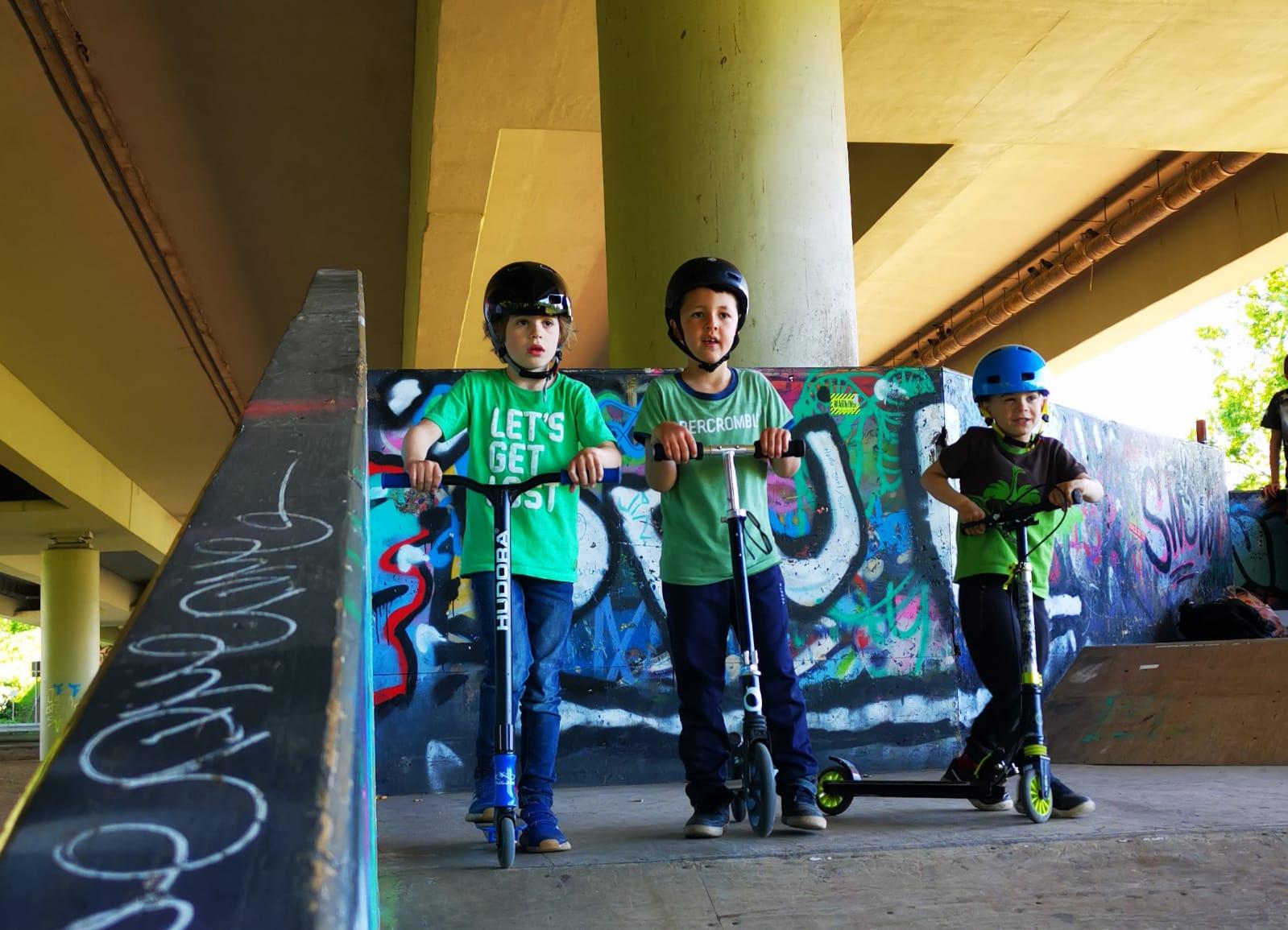 Mit Rollern im Dreieicher Skatepark