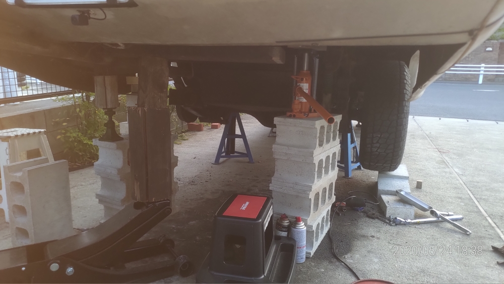 いすゞロディオ サブフレームの修理