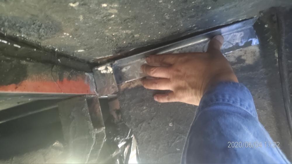 サブフレームの修理