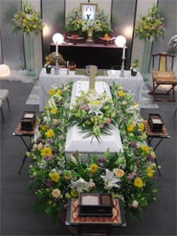 サラウンド祭壇の写真