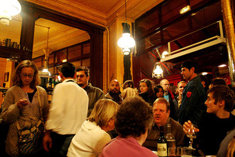 Busy Pub/Restaurant