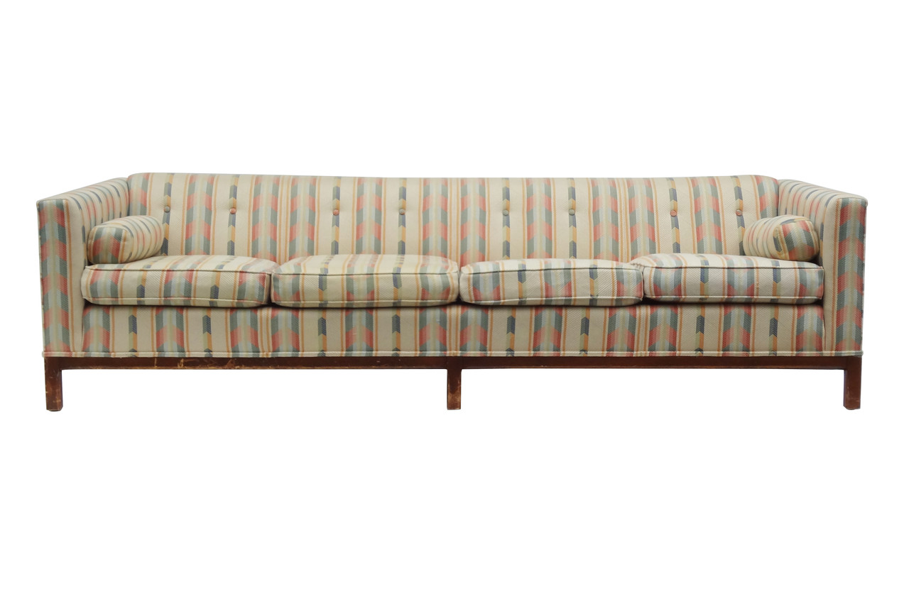 "Probber Style Even Arm Tufted 97"" Sofa Nueve Grand"