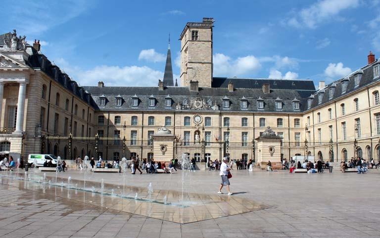 Pascale : Dijon,place de la libération