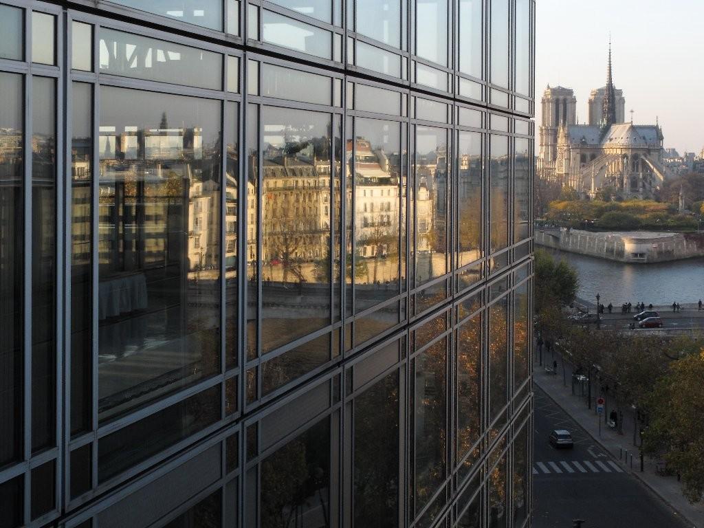 Didier: reflet sur Paris