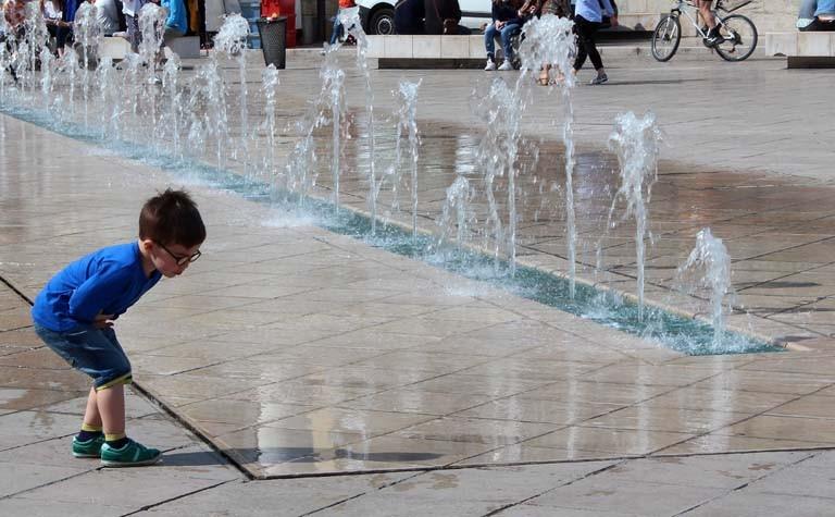 Pascale : Dijon , jeux d'eau