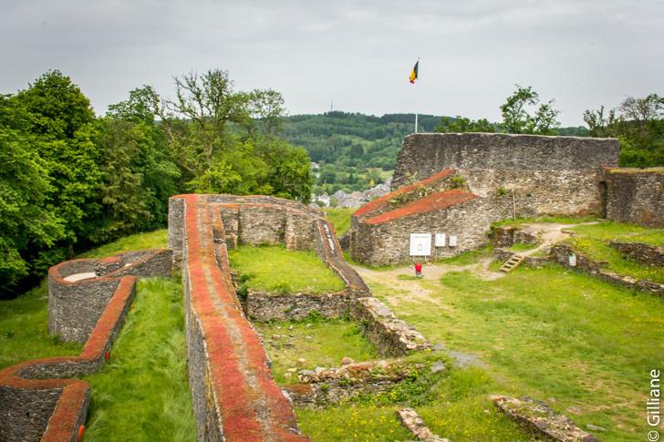 Les ruines du château d'Herbeumont