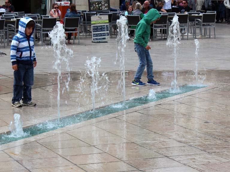 Pascale : Dijon, jeux d'eau 2