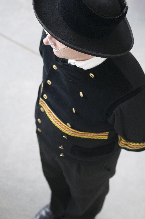 Guy : Costume breton