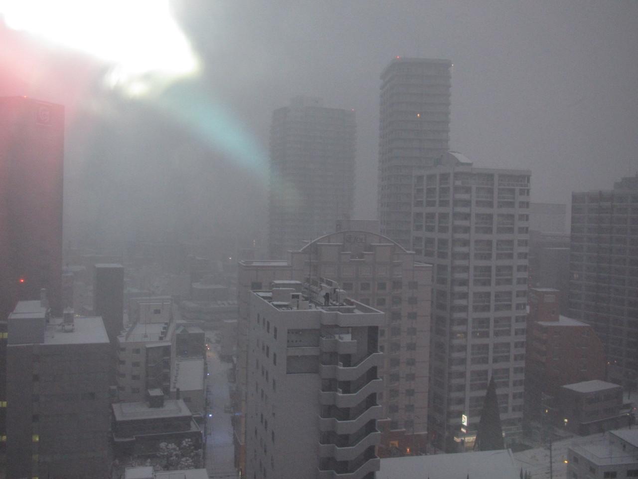 12月2日(日)  ホテルの窓から