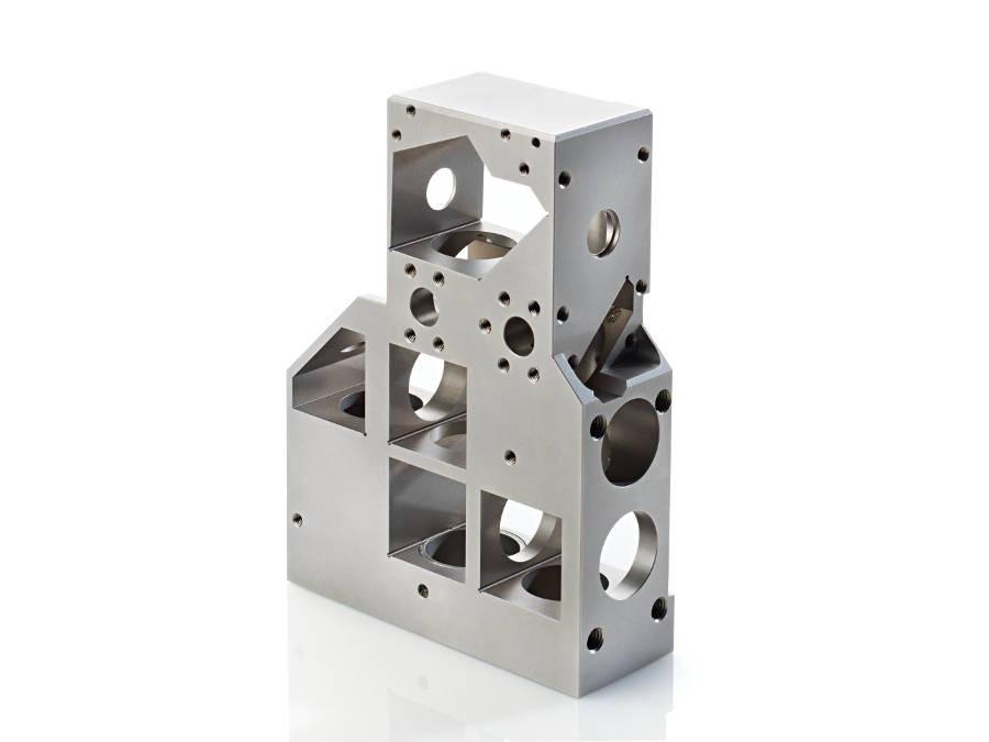 Usinage de précision invar par fraisage 5 axes, rectification et électroérosion