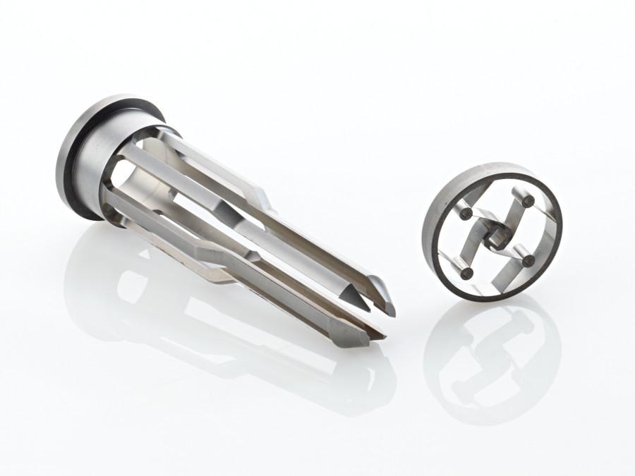 Usinage acier de précision par tournage 2 axes, rectification, trempe et électroérosion
