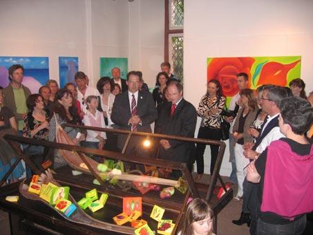 Ausstellung-Garten-Eden-Marion-Haas-Rheingau-Eltville-Landrat-rheingau-Taunus-Kreis-Laudatio-Oelmalereien-Skulpturen-plastische-Kunst