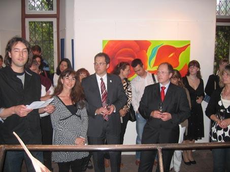 Ausstellung-Marion-Haas-Rheingau-Hessen-Garten-Eden-Landrat-rheingau-Taunus-Kreis-Herr-Albers-Callabilder-rot-grün-