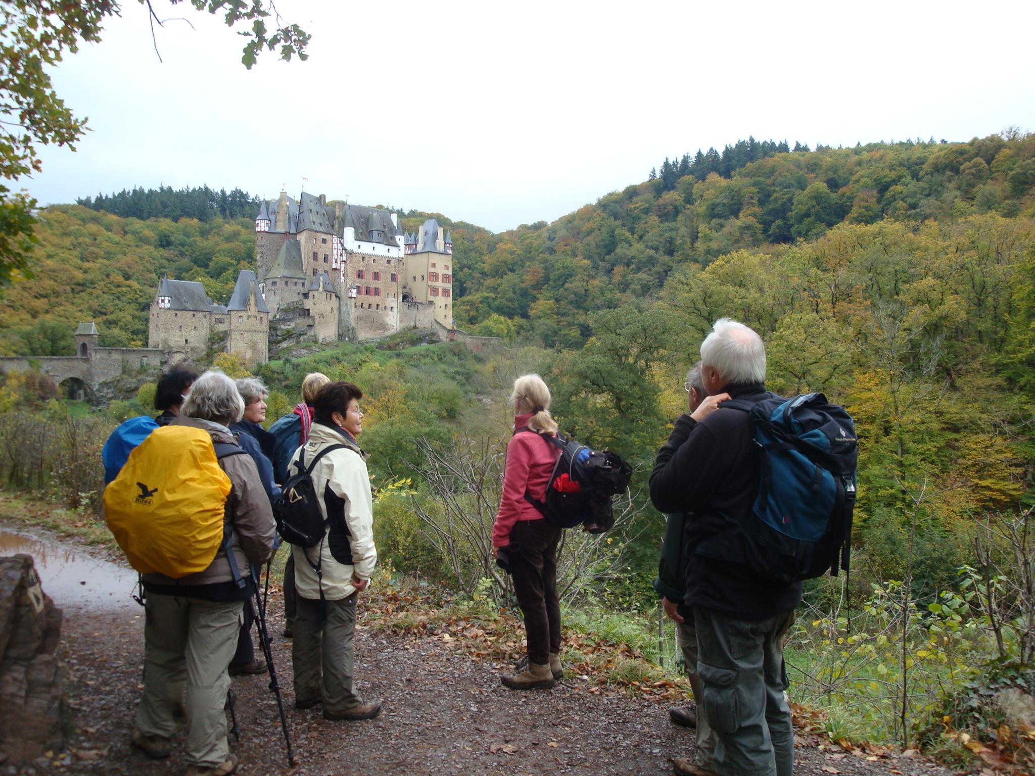 2012 - Etappenwanderung: Ankunft an Burg Elz